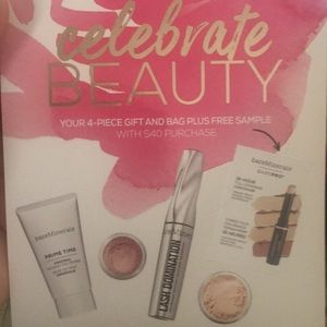 BareMinerals 4-piece gift set with pink bag NWT